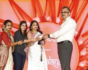Dhunuchi dance winners being felicitated - Candor TechSpace